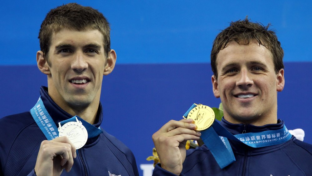 Michael Phelps och Ryan Lochte vid medaljceremonin för det 14: e FINA-världsmästerskapet