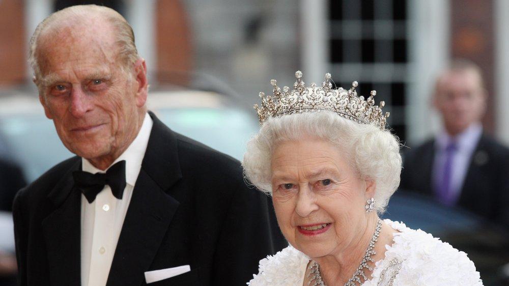 Prins Philip och drottning Elizabeth deltar i en statlig bankett i Dublin Castle 2011