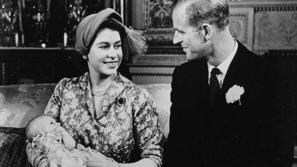 Prinsessan Elizabeth och prins Philip på prinsessan Annes dop 1950
