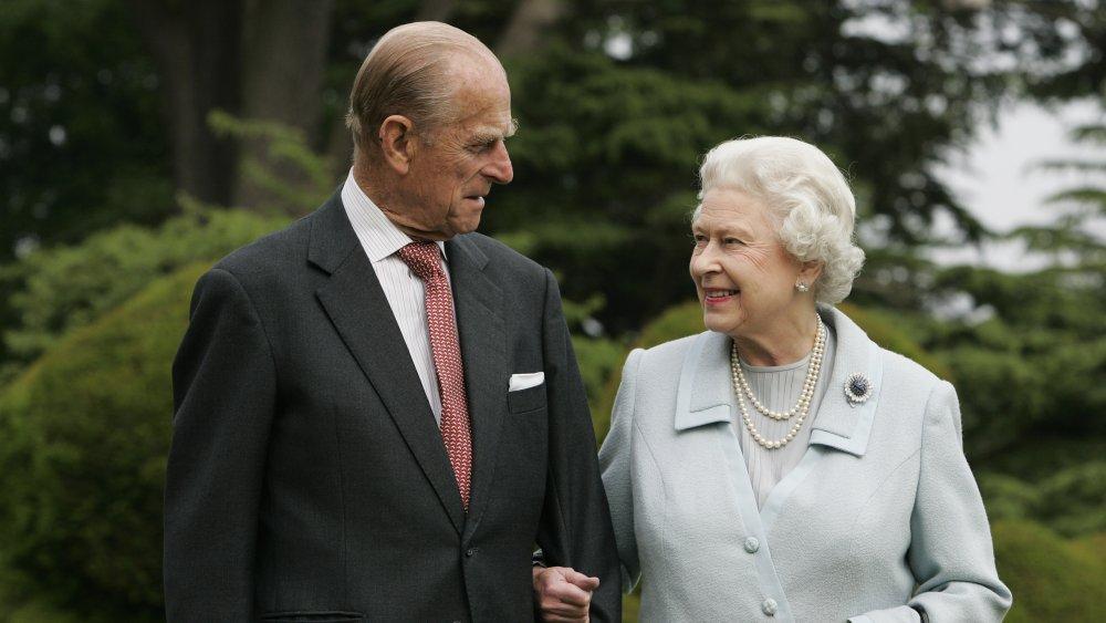 Drottning Elizabeth och prins Philip besöker Broadlands för att markera sin Diamond bröllopsdag 2007