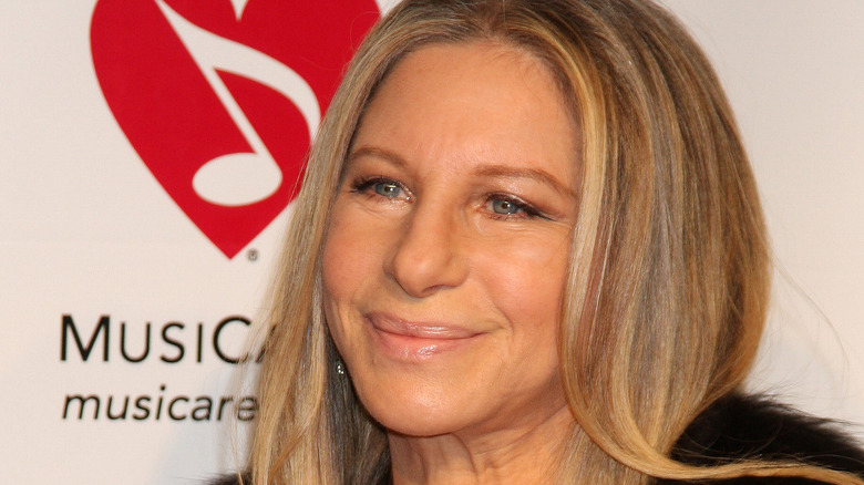 Barbra Streisand ler