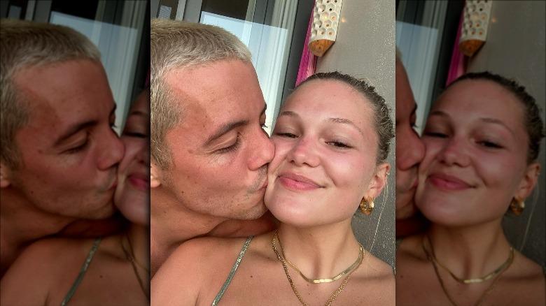 Tony Ferrari och Olivia Holt selfie