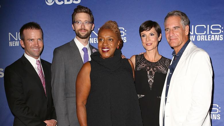 """Lucas Black, Rob Kerkovich, CCH Pounder, Zoe McLellan och Scott Bakula deltar i visningen av """"NCIS: New Orleans"""""""