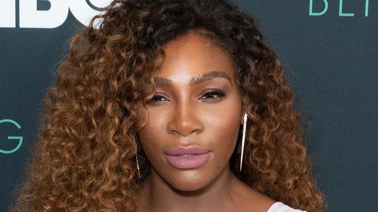 Serena Williams deltar i ett evenemang