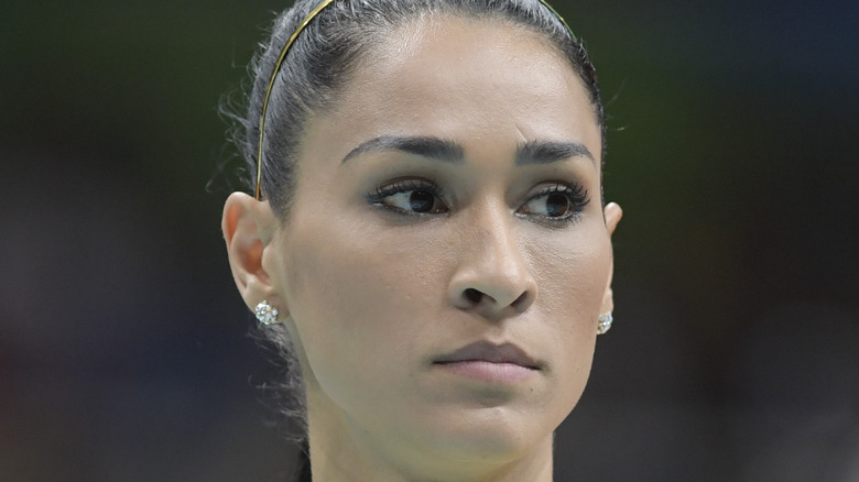 Jaqueline Carvalho stirrar åt sidan