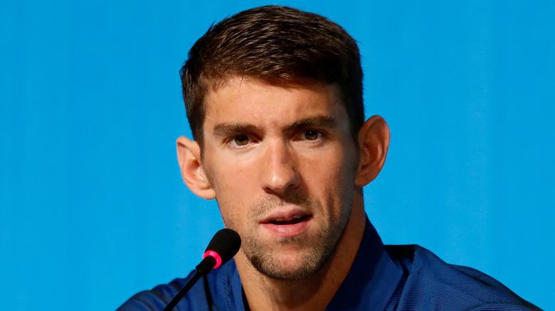 Michael Phelps vid en presskonferens
