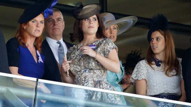 Sarah Fergie Ferguson, prins Andrew, prinsessan Eugenie, prinsessan Beatrice