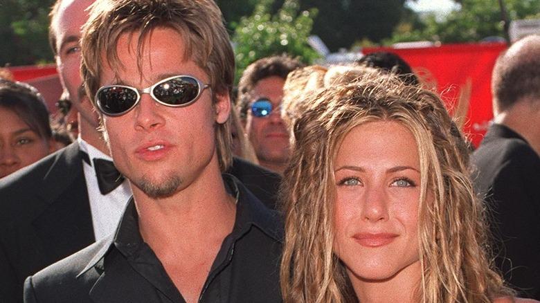 Brad Pitt na Jennifer Aniston huko Emmys mnamo 1999