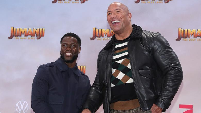 Kevin Hart och Dwayne Johnson vid premiär