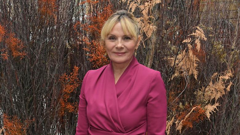 Kim Cattrall amevaa mavazi ya pink mnamo 2019