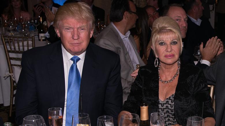 Donald Trump och Ivana Trump vid ett bord